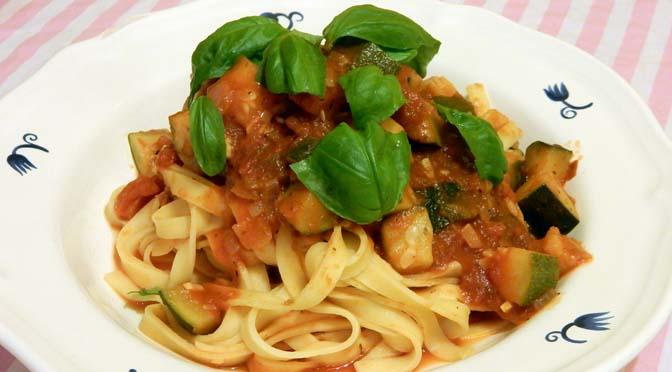 Recept pasta met courgette en chilipeper