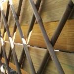 Hoe maak je van duurzaam bamboe een klimrek voor een klimplant?