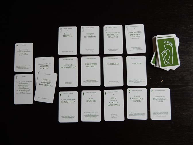 groene-voeten-spel-tafel
