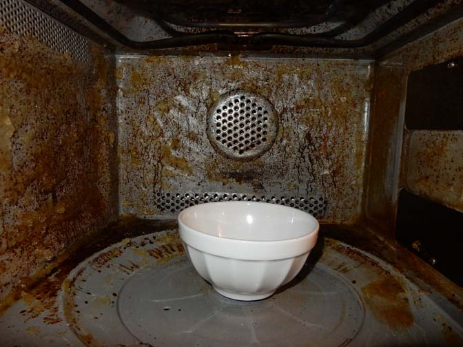 Combi-magnetron schoonmaken met groene zeep en ammonia werkt ...