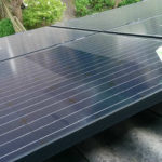 Zonnepanelen schoonmaken voor hoger rendement? Of toch niet?