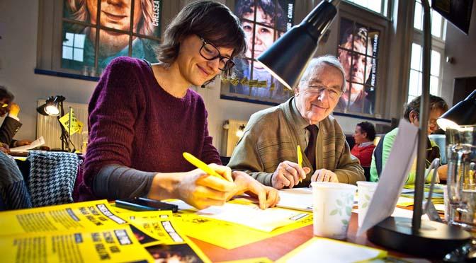 10 december – tijdens de Amnesty Schrijfmarathon is de pen machtiger dan het zwaard