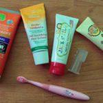 Test: 4 x natuurlijke tandpasta voor kleine kinderen die tandenpoetsen haten
