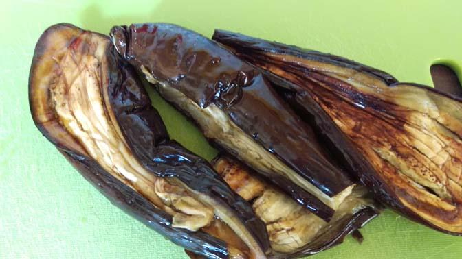 Recept: melitzanosalata oftewel een heerlijke dip van aubergine