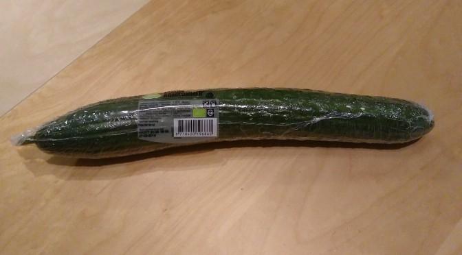 Plastic om de komkommer en paprika van de supermarkt. Is dat slecht?
