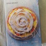 Recensie: vegan taart en brood met kookboek 'Dosia bakt vegan'