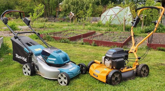 Accu grasmaaier of benzine grasmaaier? Wat zijn de voor- en nadelen?